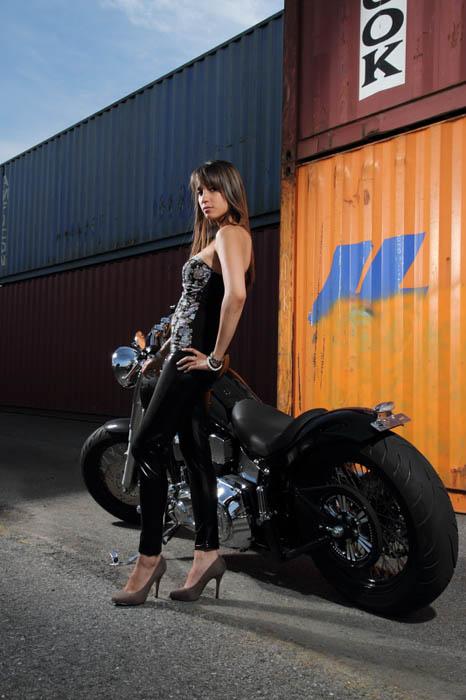 annuaire photographes suisse romande, Lady My en Harley Davidson - http://www.tempsdepose.ch - William Andrey de Genève