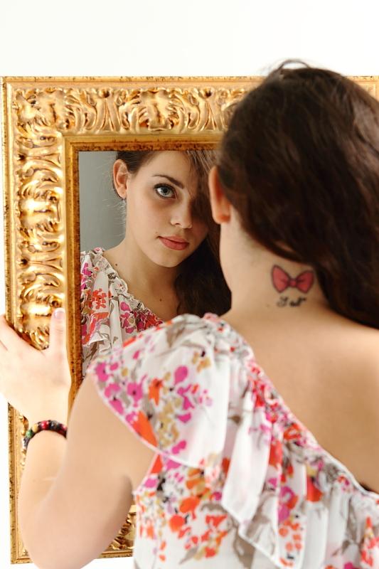 annuaire photographes suisse romande, Nuque tatouée - http://www.tempsdepose.ch - William Andrey de Genève