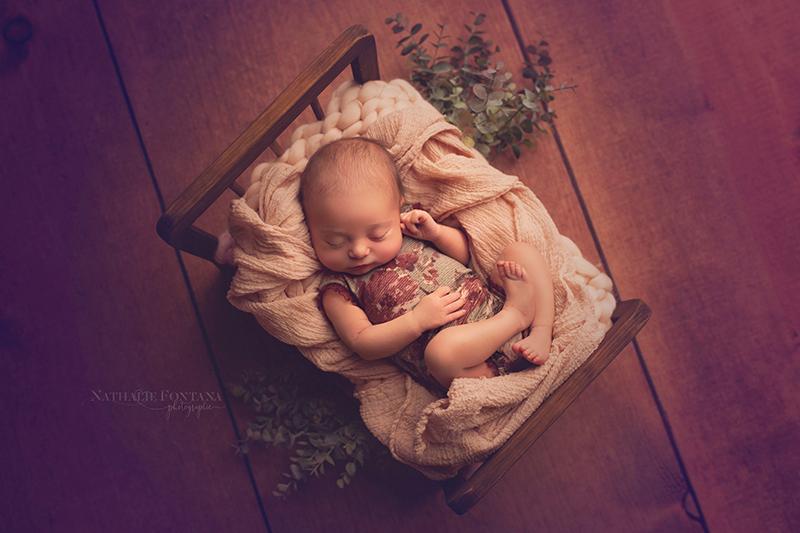 annuaire photographes suisse romande, La petite Helena est venue me voir pour réaliser sa toute première séance photo en studio - Séance nouveau-né - http://www.nathaliefontana.ch - Nathalie Fontana de Genève