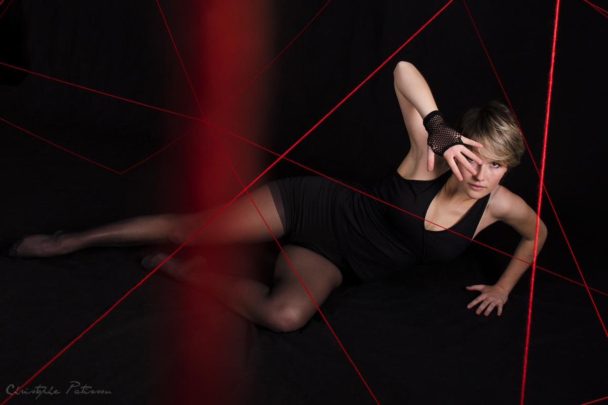 annuaire photographes suisse romande, Les fils rouges / The red threads - www.pose-emotions.fr - Pose Émotions de Seloncourt