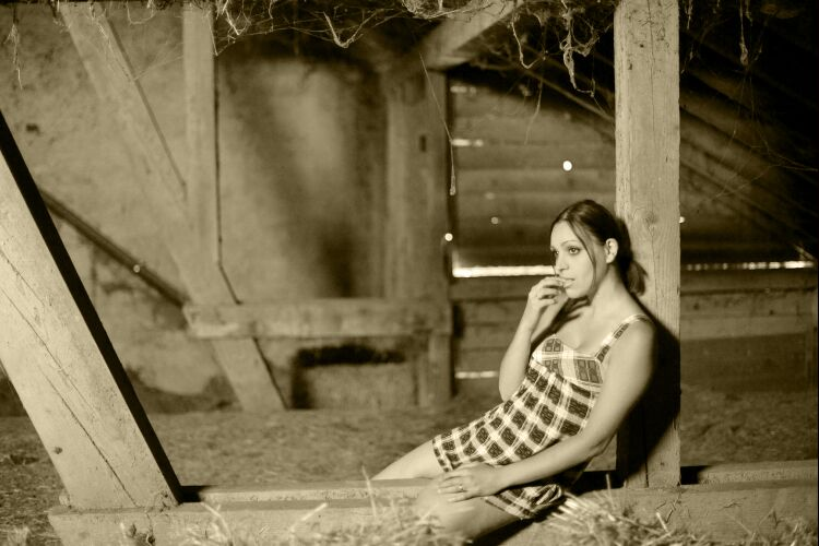 annuaire photographes suisse romande, shooting Valéria 2009 - http://www.jbphoto.ch - jb photo de Moutier
