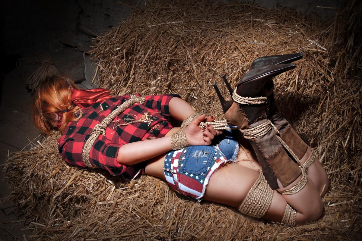 annuaire photographes suisse romande, DARKAN - Cowgirl bondage - http://www.darkan.ch - DARKAN de Neuchâtel
