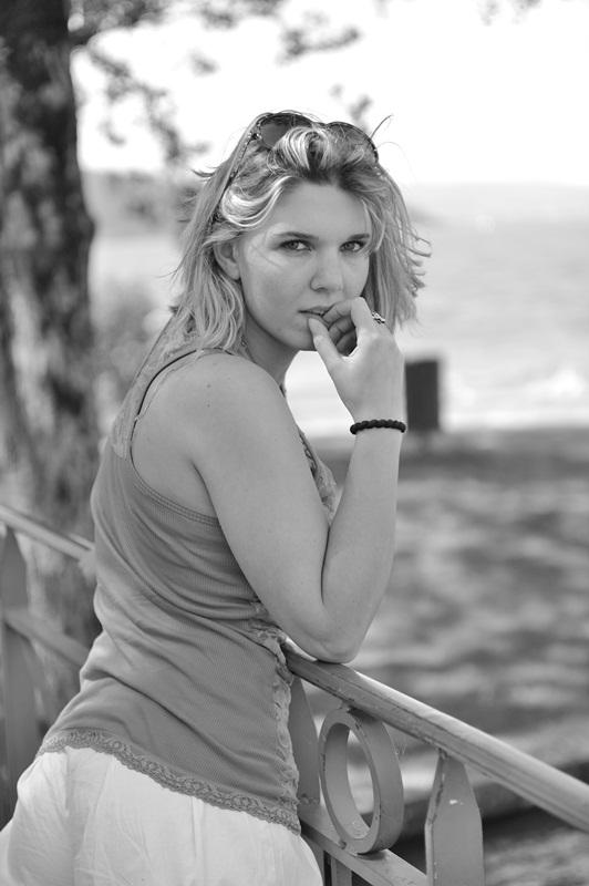 Elodie : 2012 - Photo de Philippe KARA-AGOP //  Sevrier, agopian-studio.com, annuaire photo modele