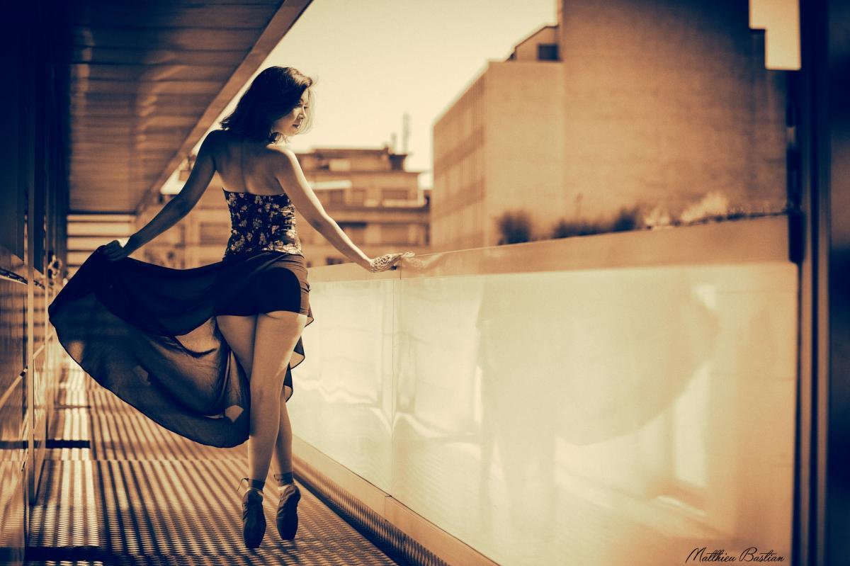 Jenny :  Sépia en ballet, www.matthieubastian.com, annuaire photo modele