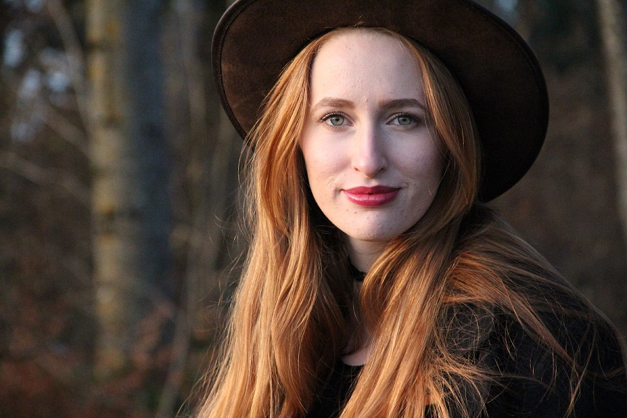 Olivia Sartor :  29.11.2016, ns:Oliver Favre, annuaire photo modele