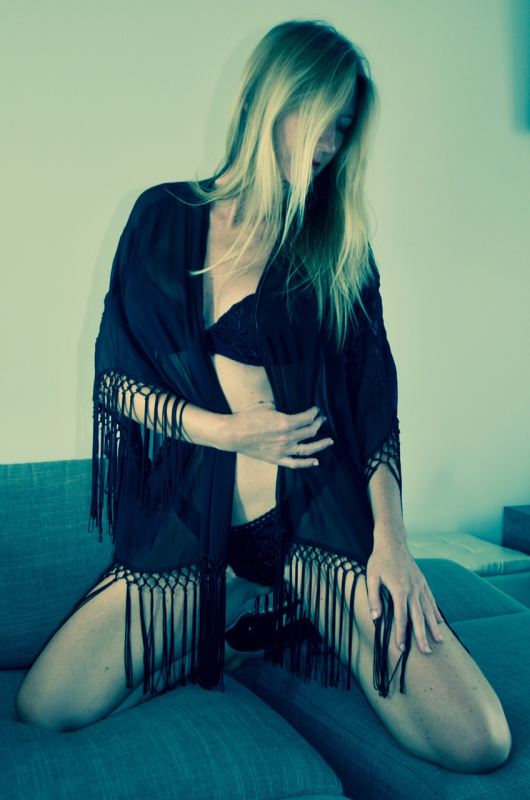 Stephanie-Suisse :  jeu de transparence, ns:Marc BEAUREVOIR, annuaire photo modele