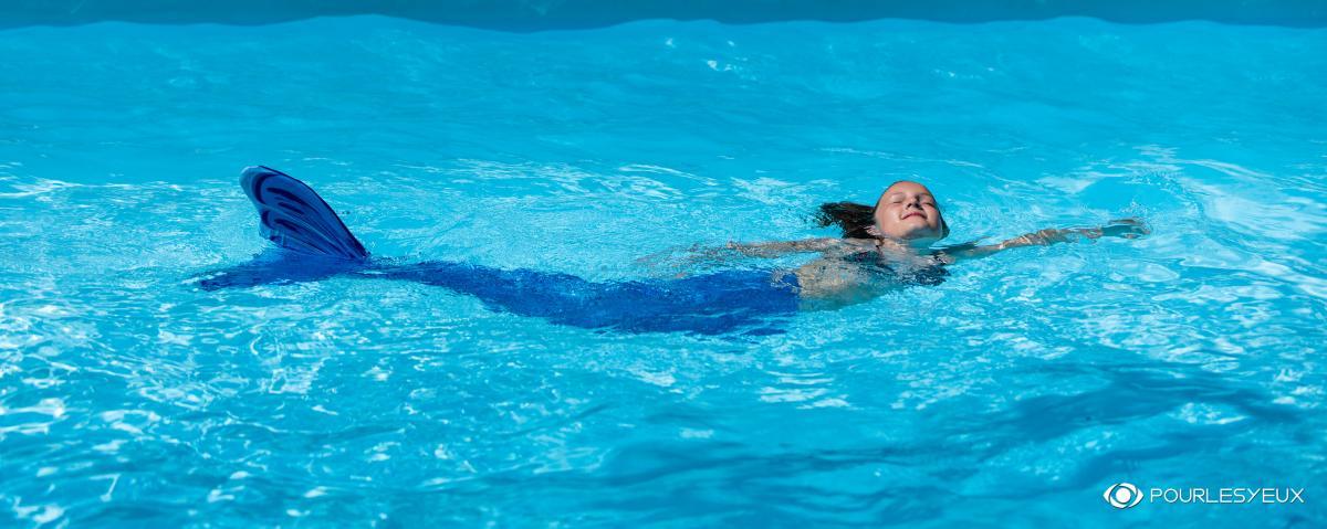 annuaire photographes suisse romande, Une sirène à la piscine - www.pourlesyeux.ch - Pourlesyeux de Genève