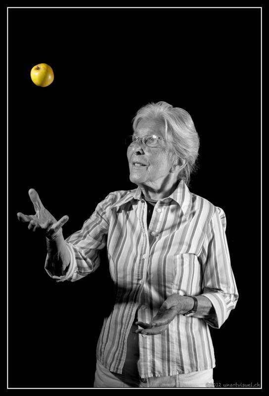 annuaire photographes suisse romande, Il n'y a pas de limite d'age pour un portrait. Du dynamisme et une belle expression - http://unartvisuel.ch - unartvisuel de Genève