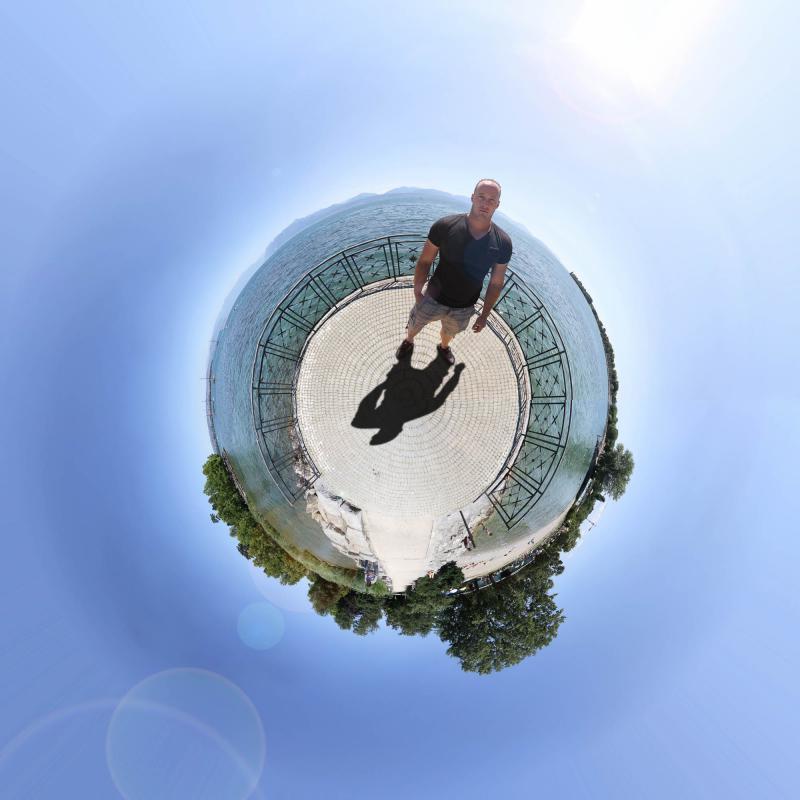 annuaire photographes suisse romande, Little Planet - Morges - http://www.photoshoot.ch - Séb de Vevey