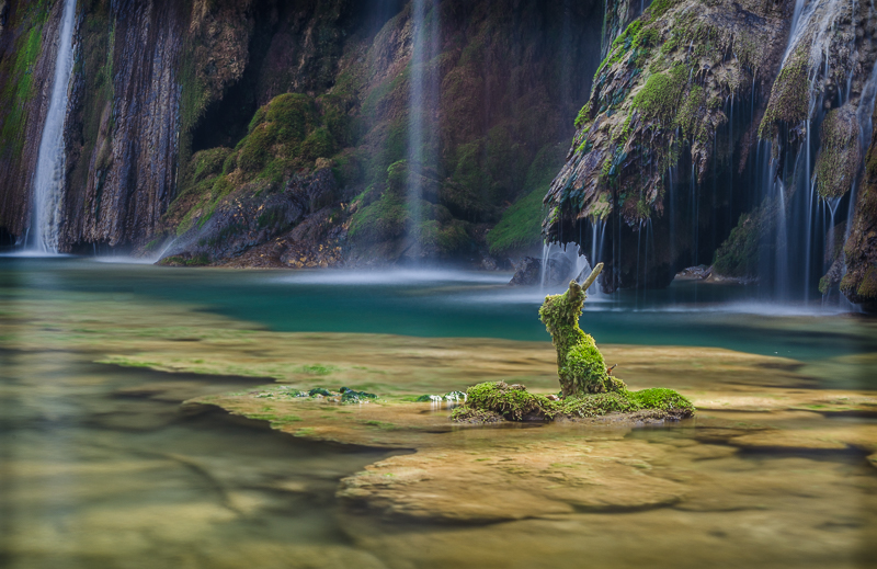 annuaire photographes suisse romande, Le gardien de la cascade - Quand la nature elle même prend vie... - http://philippe.belazp.com/ - Le Meuh de Courtepin