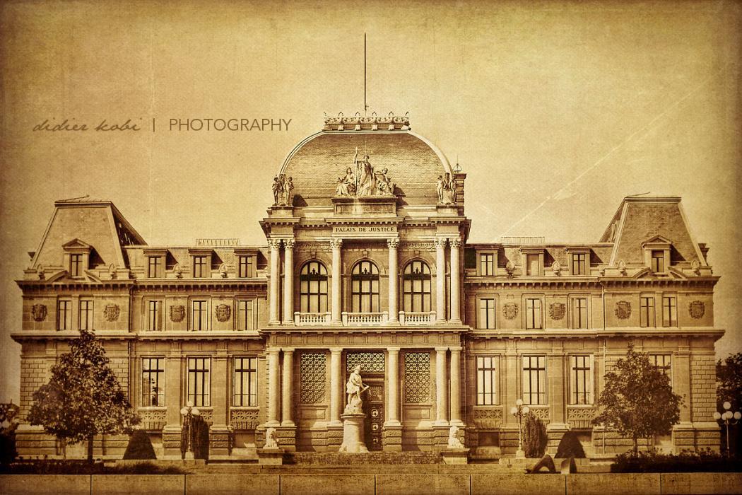 """annuaire photographes suisse romande, Palais de Justice de Montbenon  - Post traitement """"à l'ancienne""""  - www.aramintastudio.com - Studio Araminta de Bussigny"""