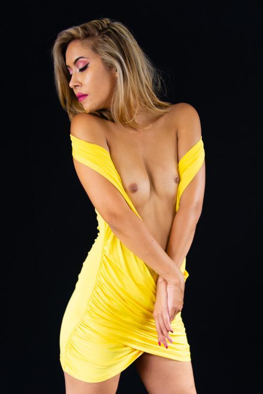 Kiseki Lan :  Yellow dress, ns:Pierre Contesse, annuaire photo modele