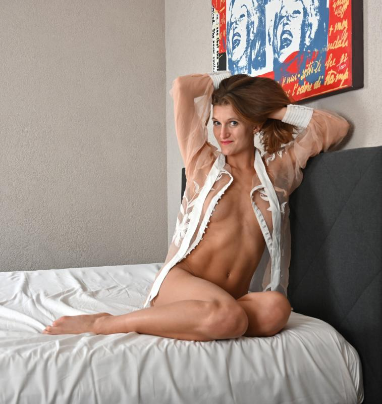 Anastasia :  , ns:Pierre Valarchi, annuaire photo modele