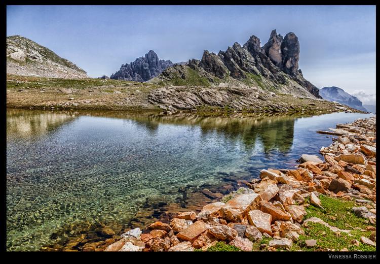 Lac des montagnes dans la vallée de la Clarée par Vana de http://www.vanessarossier.com